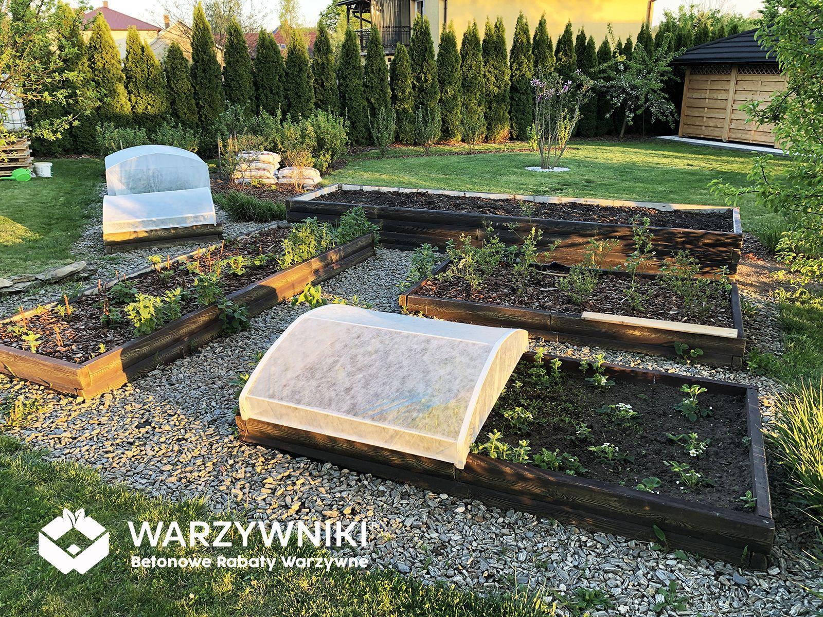 Podwyzszone Grzadki W Ogrodzie Outdoor Furniture Sets Outdoor Decor Outdoor Furniture