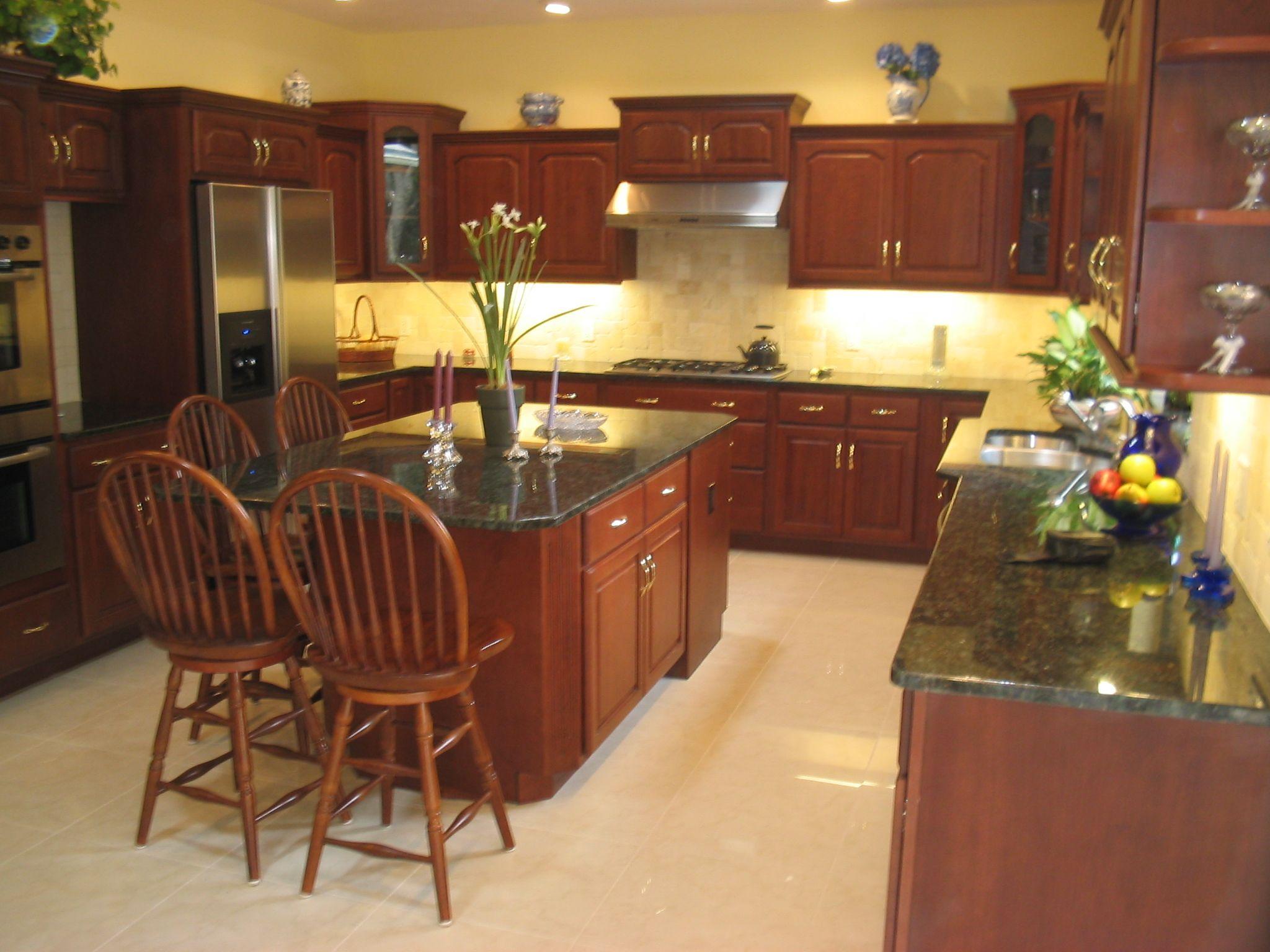 cherry kitchen cabinets | Cherry Kitchen has Rutledge Door ...