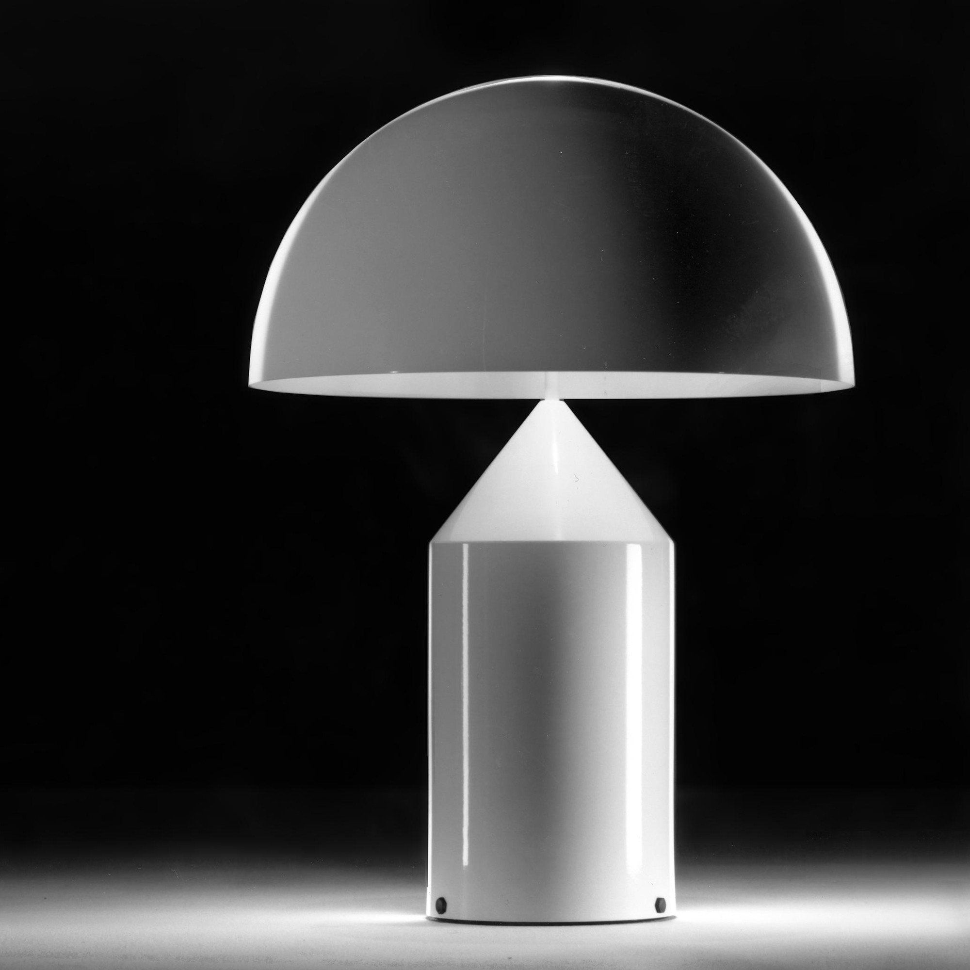 Atollo   Lampe de table blanc en 2020   Lampe de table blanche, Lampes de table et Table blanche