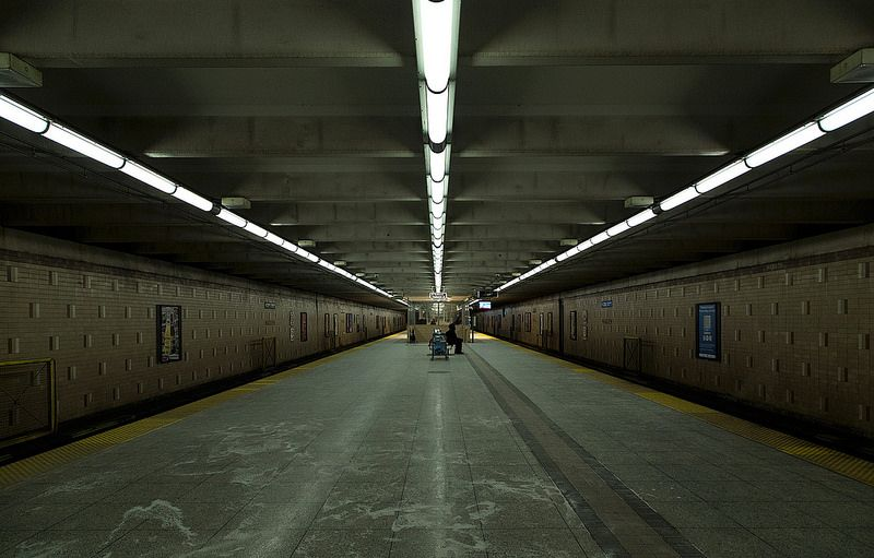 Warden subway station, photo by Vik Pahwa.