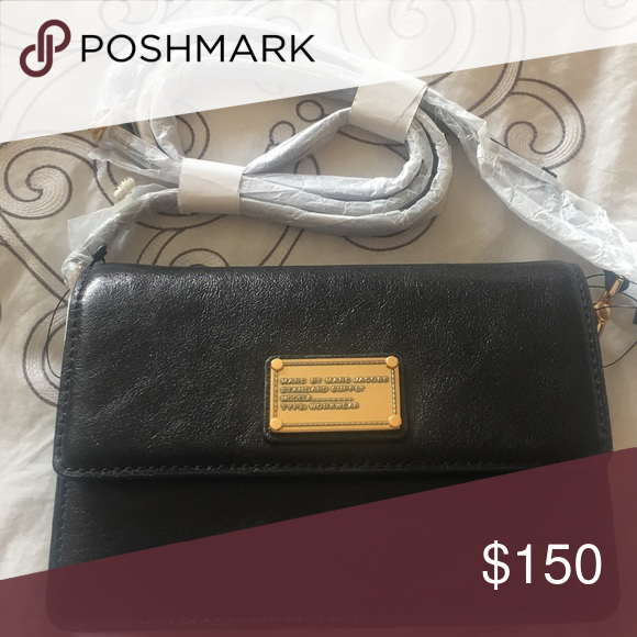 Marc by Marc Jacobs Cross Body Purse Marc by Marc Jacobs Cross Body purse - brand new excellent condition Marc by Marc Jacobs Bags Crossbody Bags