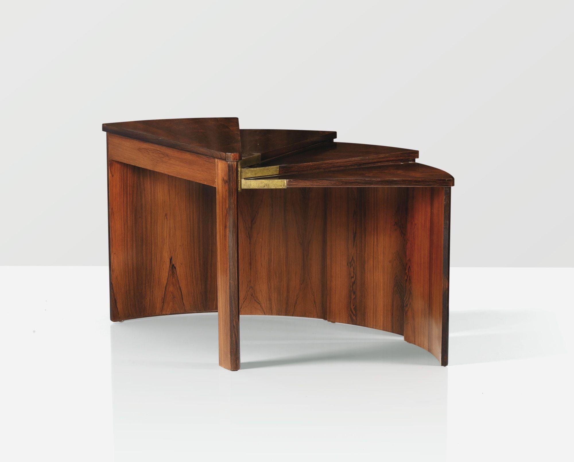 Table Mod Le Mb 106 Variante Plateaux Bords Plats Vers 1924  # Meuble Tv Samson