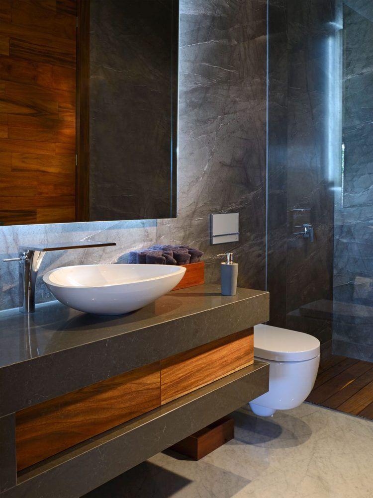 kleines Bad mit Dusche in grau mit Holz-Elementen   Kitchens ...   {Duschboden holz 42}