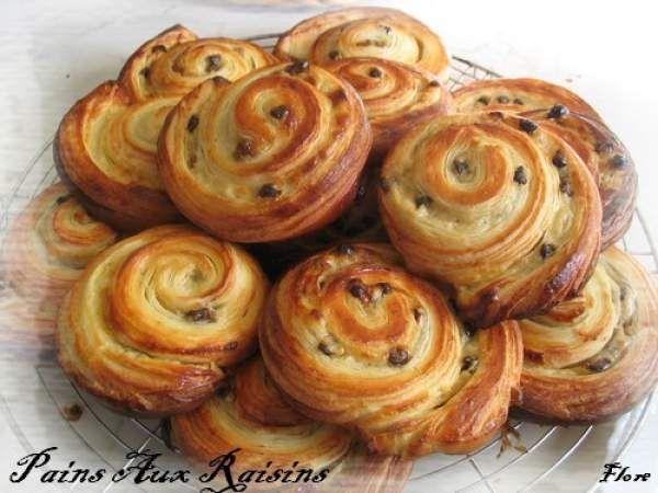 french food  mmmh pains aux raisins