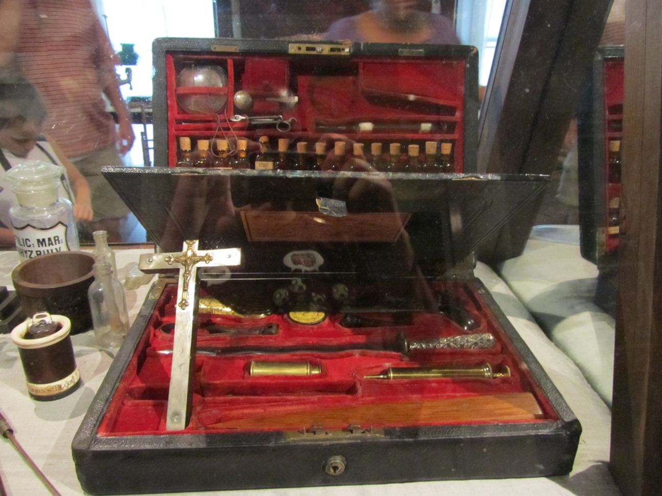 Anne Rices Vampire Hunting Kit Peculiar Contents Pinterest