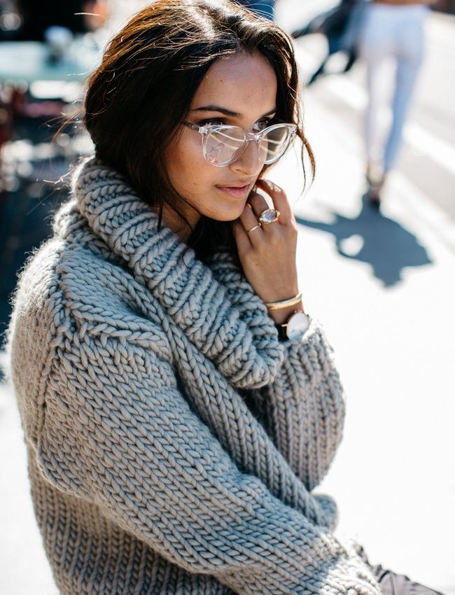 d8ad13c55c7 Lunettes de vue translucides + gros pull   le bon mix (blog She Be The  Sound)  fashion  trends  streetstyle  wonderhoney