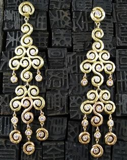Pamela Froman 18K Yellow Gold, Pink Gold and Diamond Ombre Sparkle Chandelier Earrings