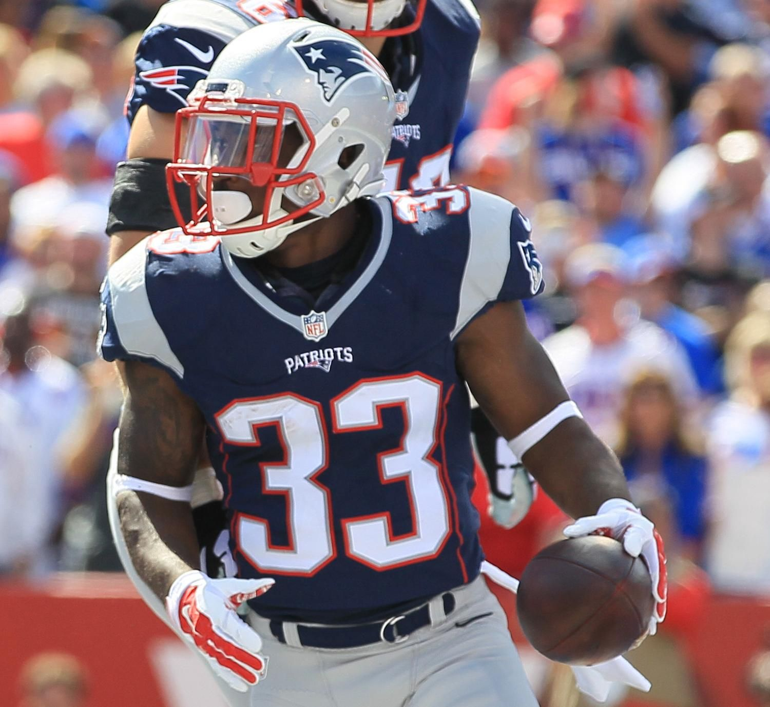 Dion Lewis Injury Updates On Patriots Rb S Recovery From Knee Surgery Patriots Injury New England Patriots