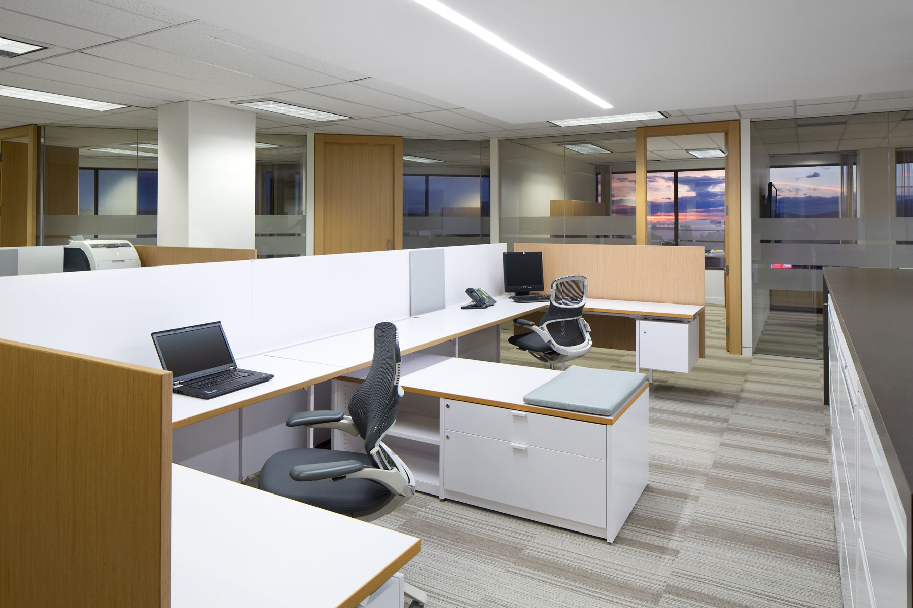 Ssdg interiors inc workplace executive office for Office design vancouver