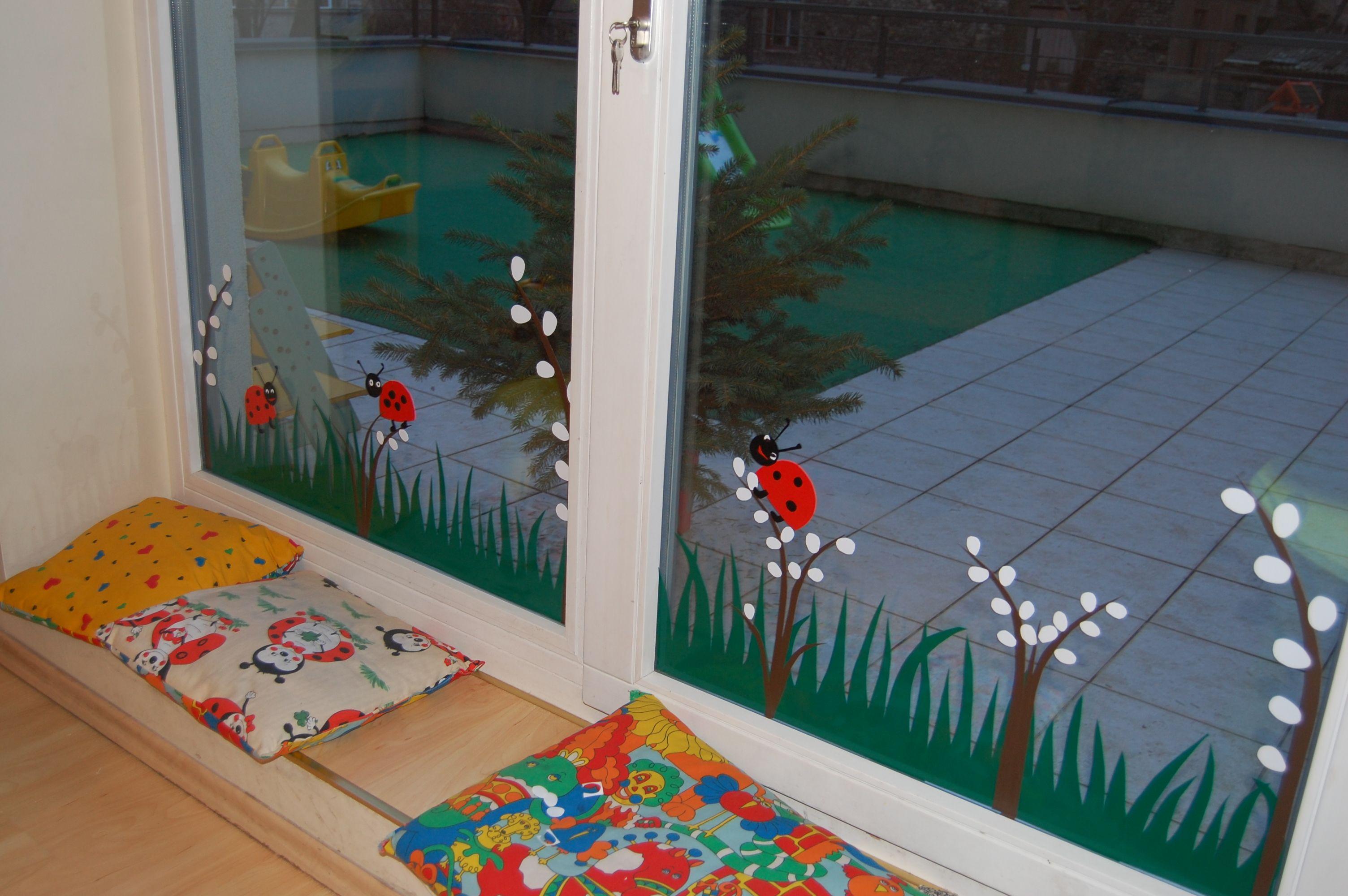 Spring Windows Decoration Idea For Preschool )