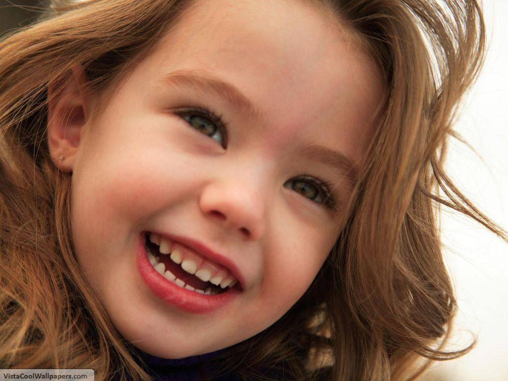 cute+baby+girl+smiling-1024x768-cutelittlebabies.blogspot