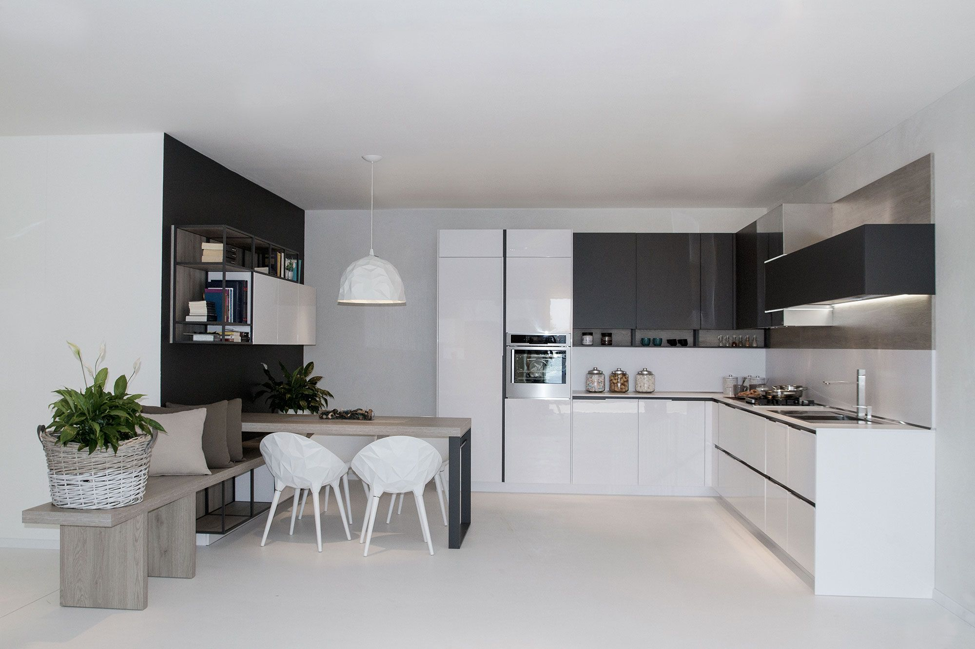 Cucine Moderne Piccole Ad Angolo.Orange Evolution Collection System Elegant Kitchens From
