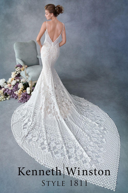 Schönes und schlichtes Brautkleid aus Spitze – Kati