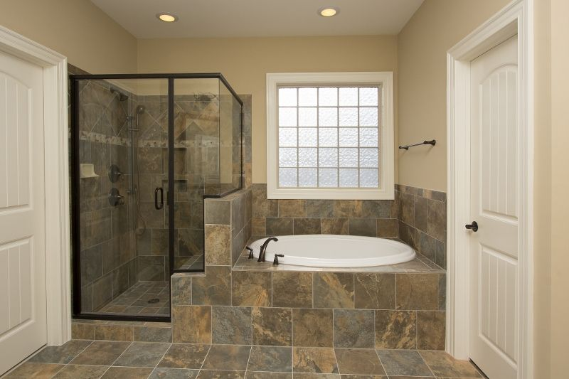 Oakwood Floorplan Luxurious Master Bath With Separate Garden Tub