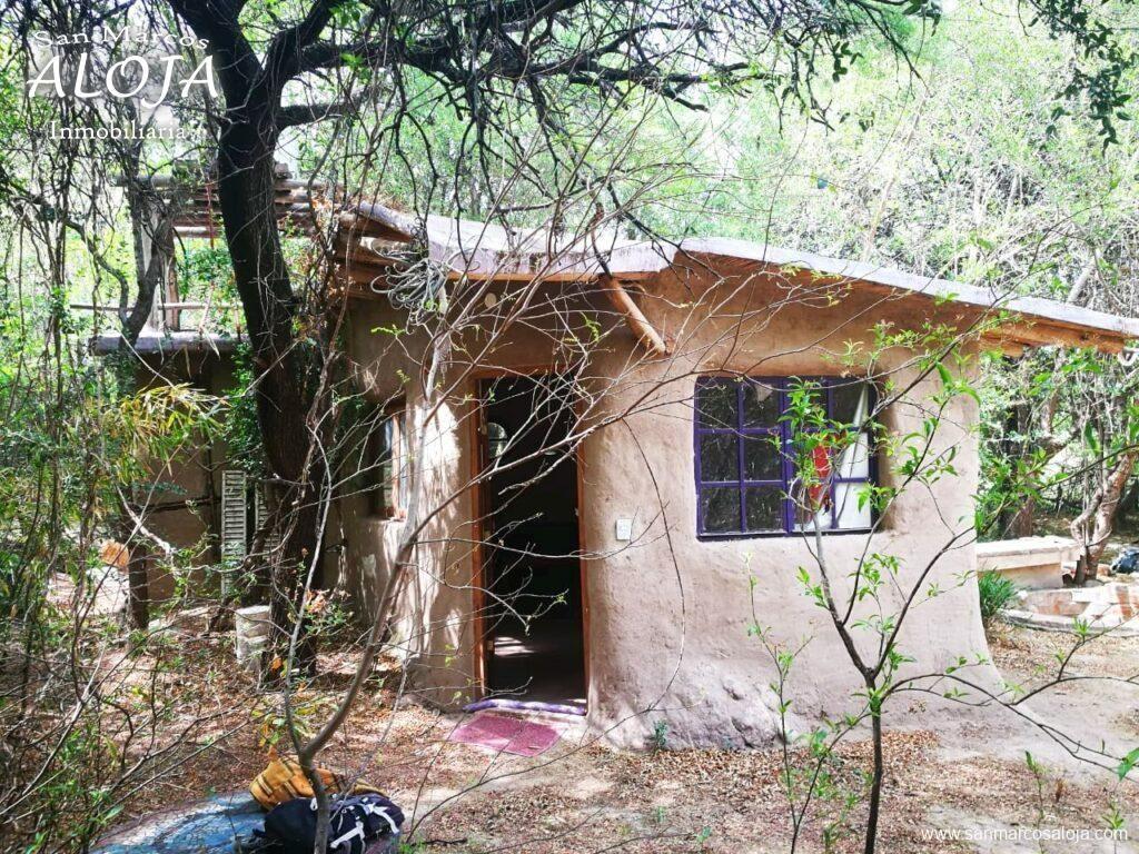 Inmobiliaria Aloja Vende Permuta 2 Casas En Terreno De 2 717 M En Barrio La Banda De San Marcos Sierras Aloj Construcción Natural Sierras Casas En Venta