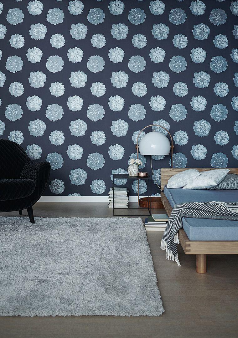 Aus Der Kollektion Schoner Wohnen 9 Kummert Sich Diese Schone Blaue Blumentapete Um Fruhlingstimmung An Den Wanden Schoner Wohnen Tapeten Schoner Wohnen Wohnen