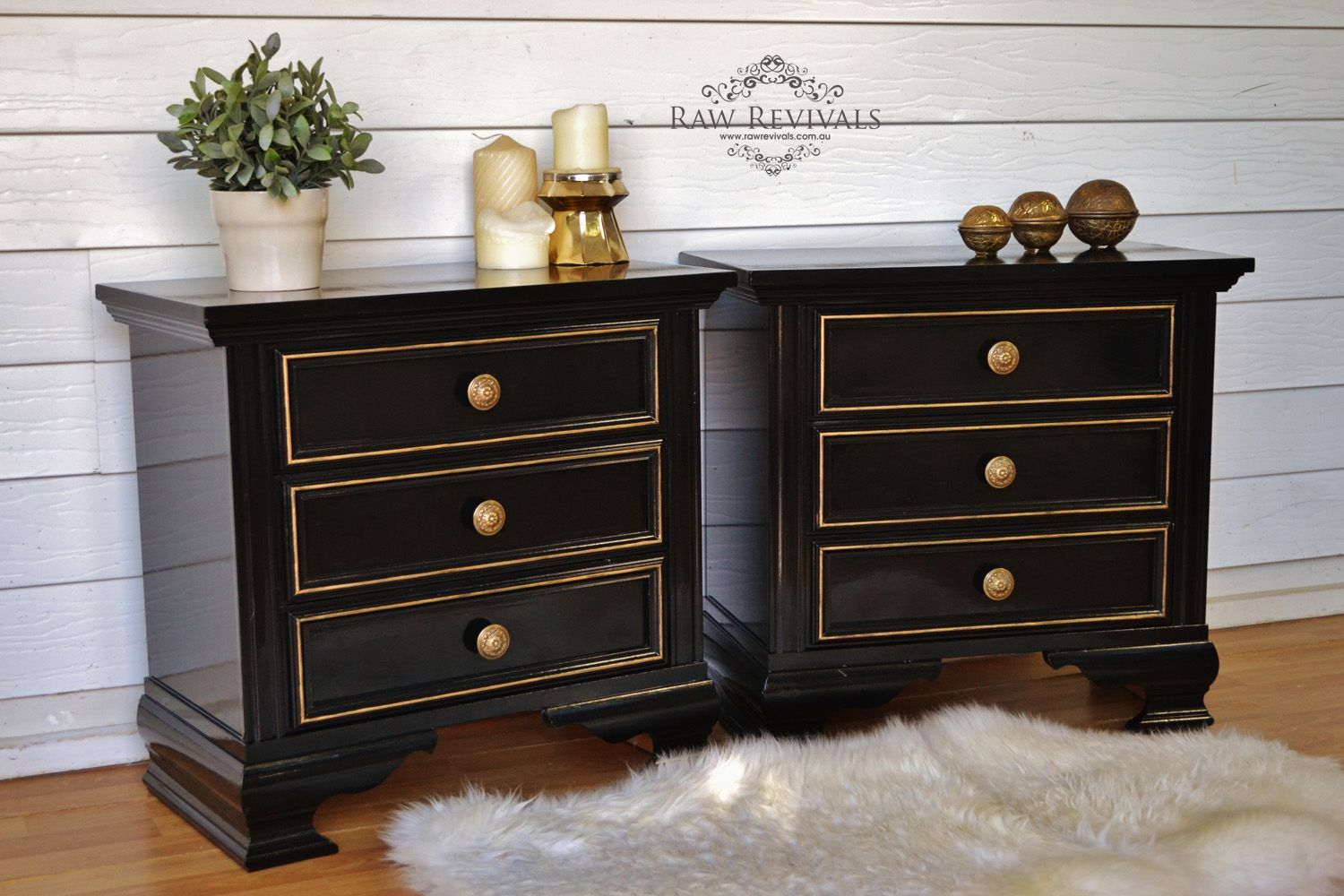 Best Black Glossy Modern Bedside Tables With Gold Trim Around 400 x 300