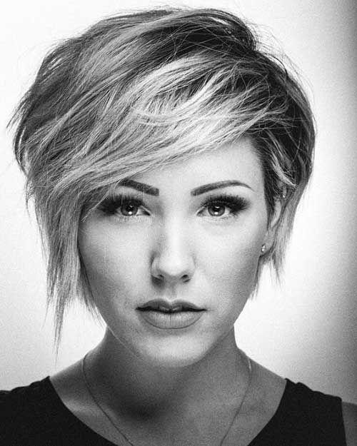 Abgerundete Gesichtsform Lange Pixie Cut Hair Style Kort Haar