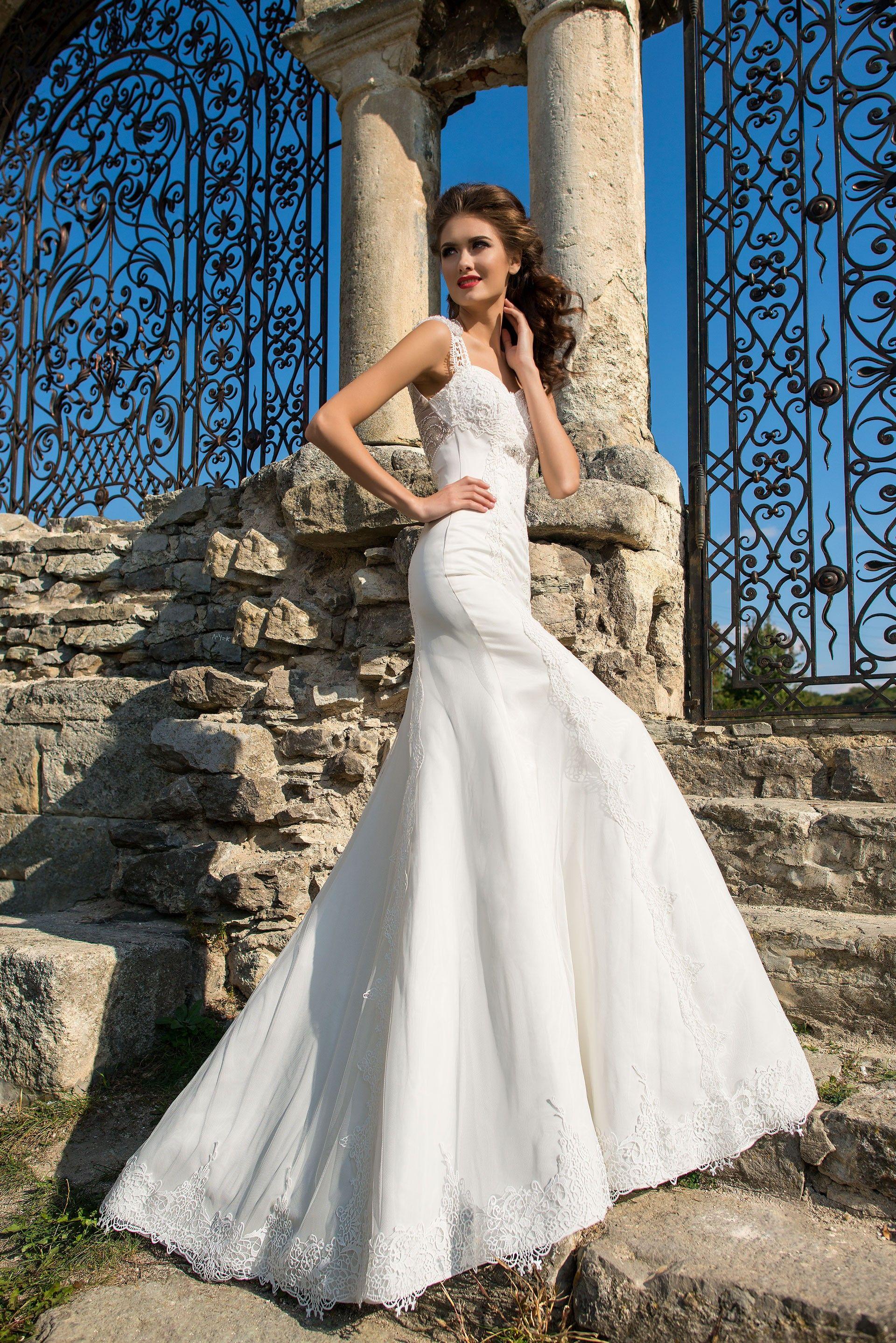 Očarujúce dlhé svadobné šaty v štýle morská panna s krásne zdobeným chrbtom 3118715c04b