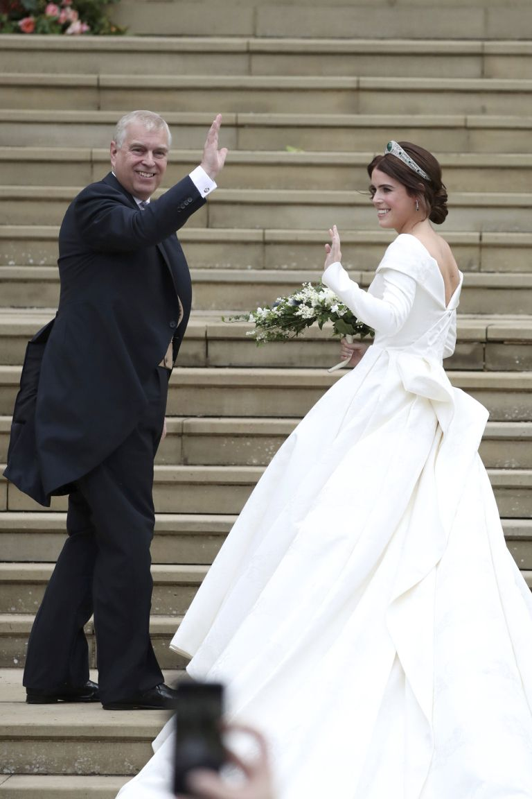 See Princess Eugenie S Open Back Perfectly Tailored Wedding Dress From Every Exquisite Angle Royal Wedding Gowns Eugenie Wedding Royal Wedding Dress [ 1152 x 768 Pixel ]