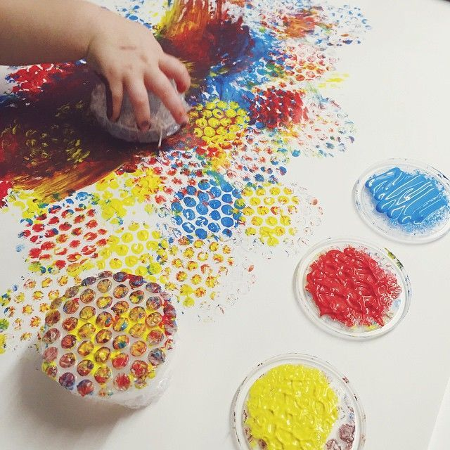 Bubble wrap painting pinteres for Bubble wrap art projects