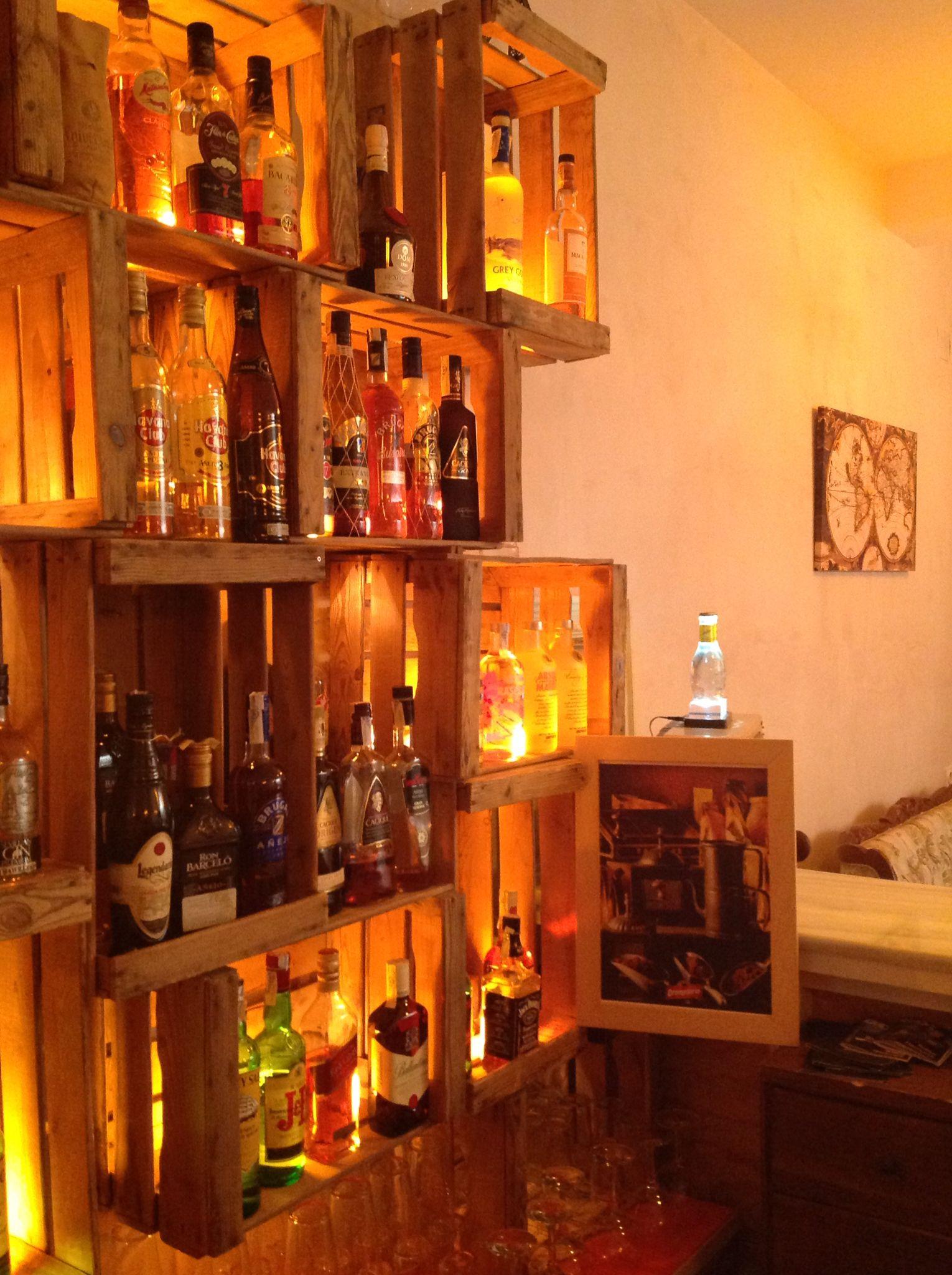 Contrabarra de bar estanter a reciclaje cajas - Estanterias para bares ...
