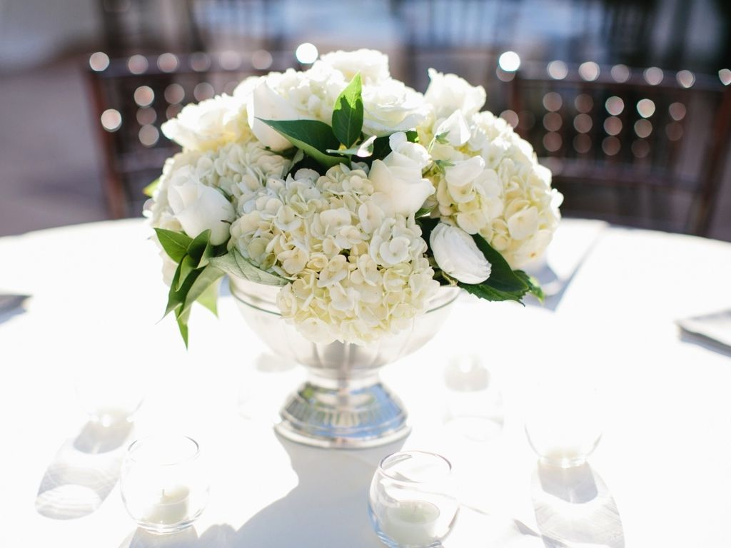 Sliver pedestal white classic wedding flower centerpiece for Center arrangements for weddings