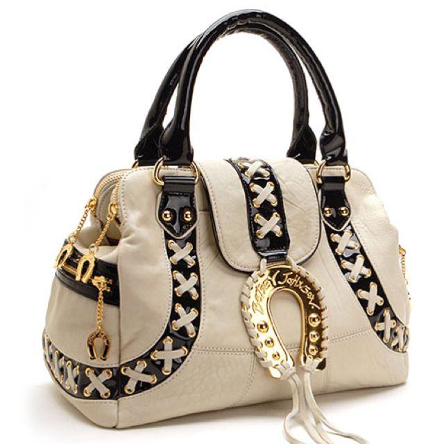 I love BJ handbag <3