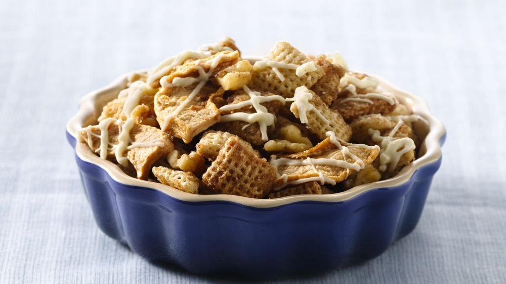 In honor of the apple-producing state of Washington, treat guests to this apple pie mix of Chex cereals.