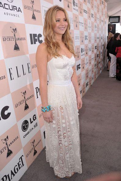 Charming seductress Jennifer Lawrence