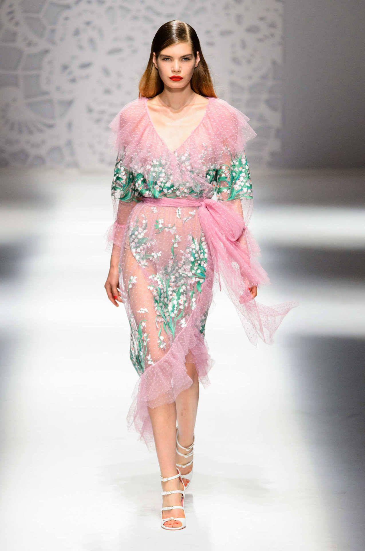 Blumarine spring summer 2018 collection milano fashion for Fashion designer milano