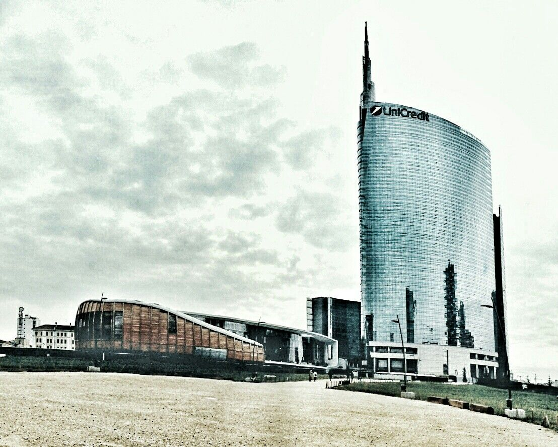Milano - UniCredit tower in cloudy weather