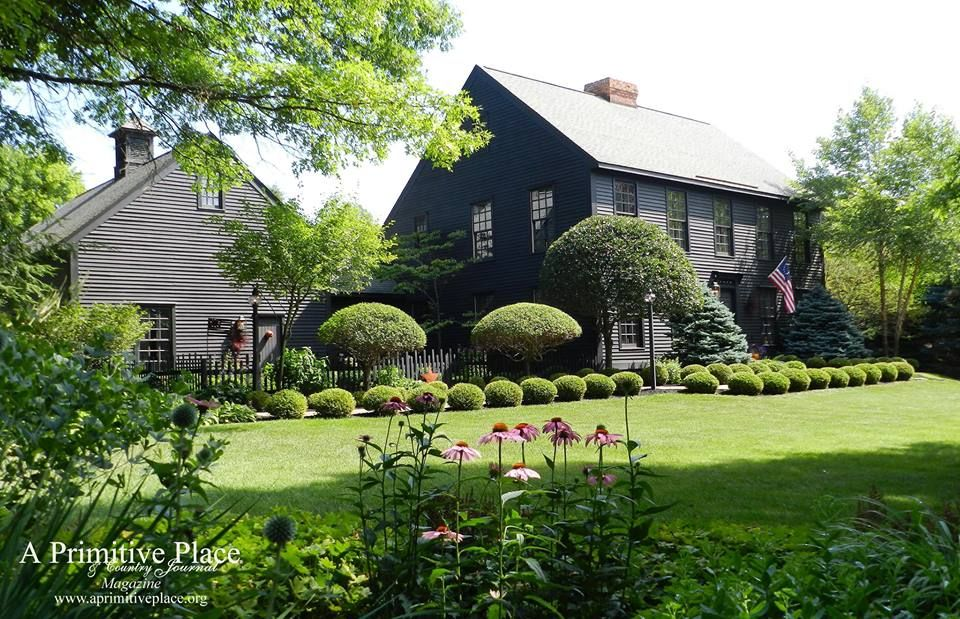 Gorgeous Landscaping Colonial House Exteriors Colonial Style Homes Saltbox Houses