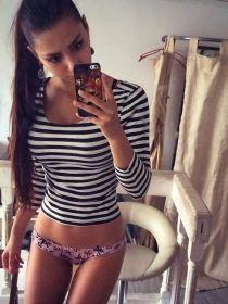 babe selfies with helga model 1