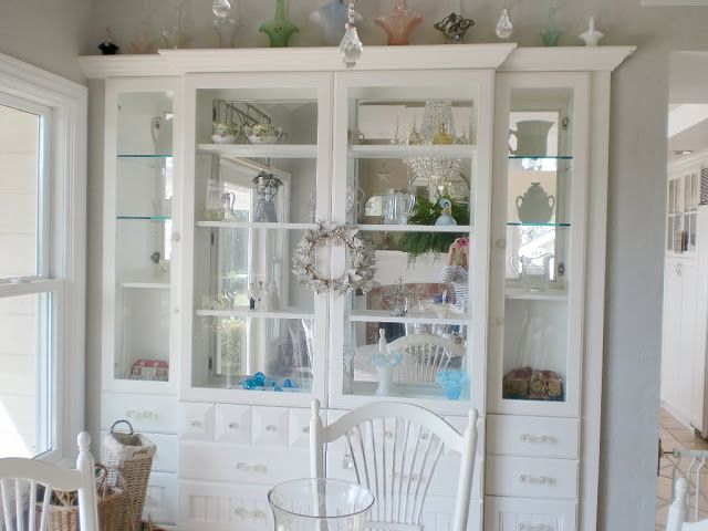 White China Cabinet Pinning To See The Depth Of Built In