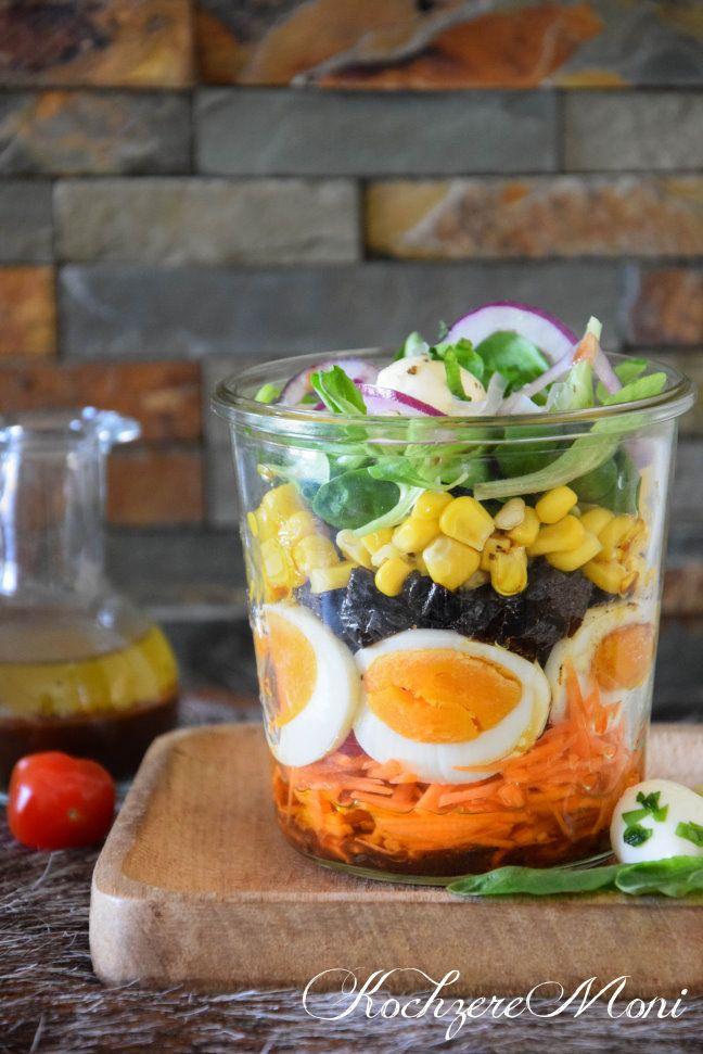 Salat Im Glas Feldsalat Mit Pflaumendressing Salatmix Buroessen Essen Im Buro Essen Auf Der Arbeit Mittagessen Zum Mitnehmen Salat Im Glas Fruhlingssalat