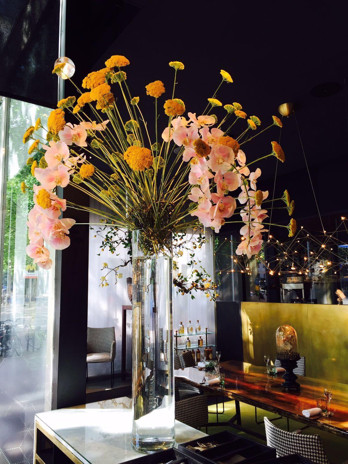 Joelia Restaurant Bloemen Flowers Flower Zomersbloemen Styling Restaurant Interieur Bloemen Restaurant
