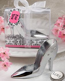 High heel sh design bottle openers. http://www.bluerainbowdesign.com/WeddingFavorProduct.aspx?ProductID=PR042210174999KelowSXimenaBRD96624=WEDDI=GROUP=WBARW=pinterest