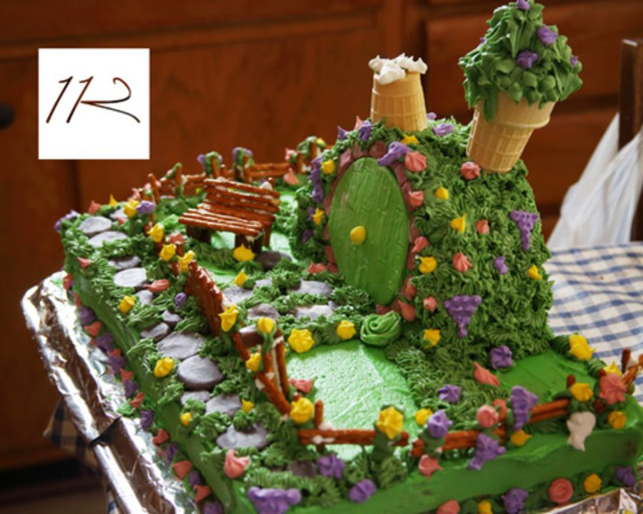 Hobbit Birthday Cake The Shire Cakes Of Middle Earth Pinterest