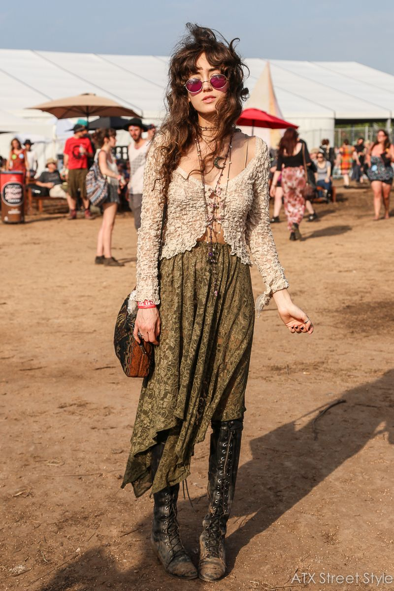 Ashley Meyers Spotted at: Austin Psych Fest's... – ATX STREET STYLE #70sfashion