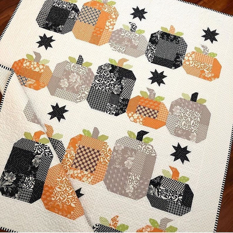 Hocus Pocus Quilt Kit All Hallows Eve Fabric Pattern Moda Etsy In 2021 Halloween Quilt Patterns Quilt Kit Pumpkin Quilt Pattern