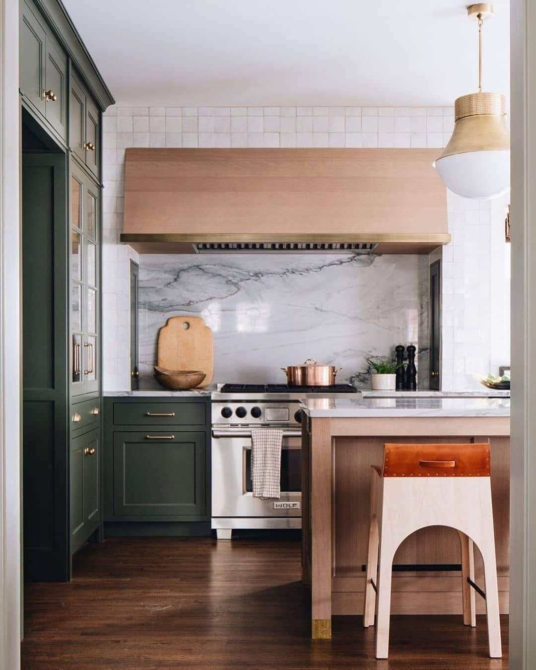 Style Me Pretty Living On Instagram One Of Our Other Favorite Kitchens From Jeanstofferdesign Mixed Wood In 2020 Mixed Wood Style Me Pretty Living Favorite Kitchen