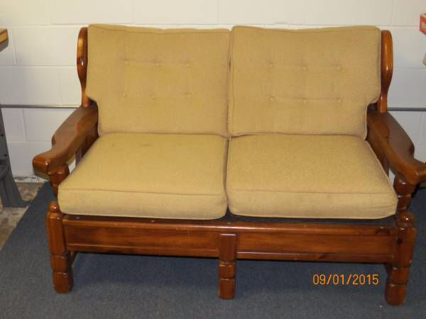 Old Wood Couch In Need Of Makeover Using Chalk Paint Before Pic Furniture Makeover Furniture Makeover Diy Furniture