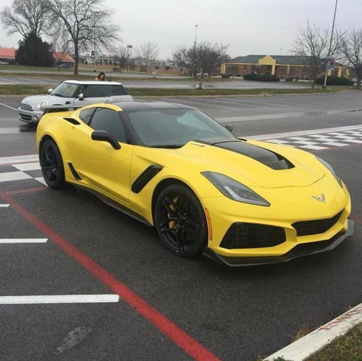 Chevrolet Corvette C7 Zr1 Painted In Corvette Racing Yellow Photo
