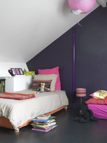 Hübsches Schlafzimmer · Dunkellila
