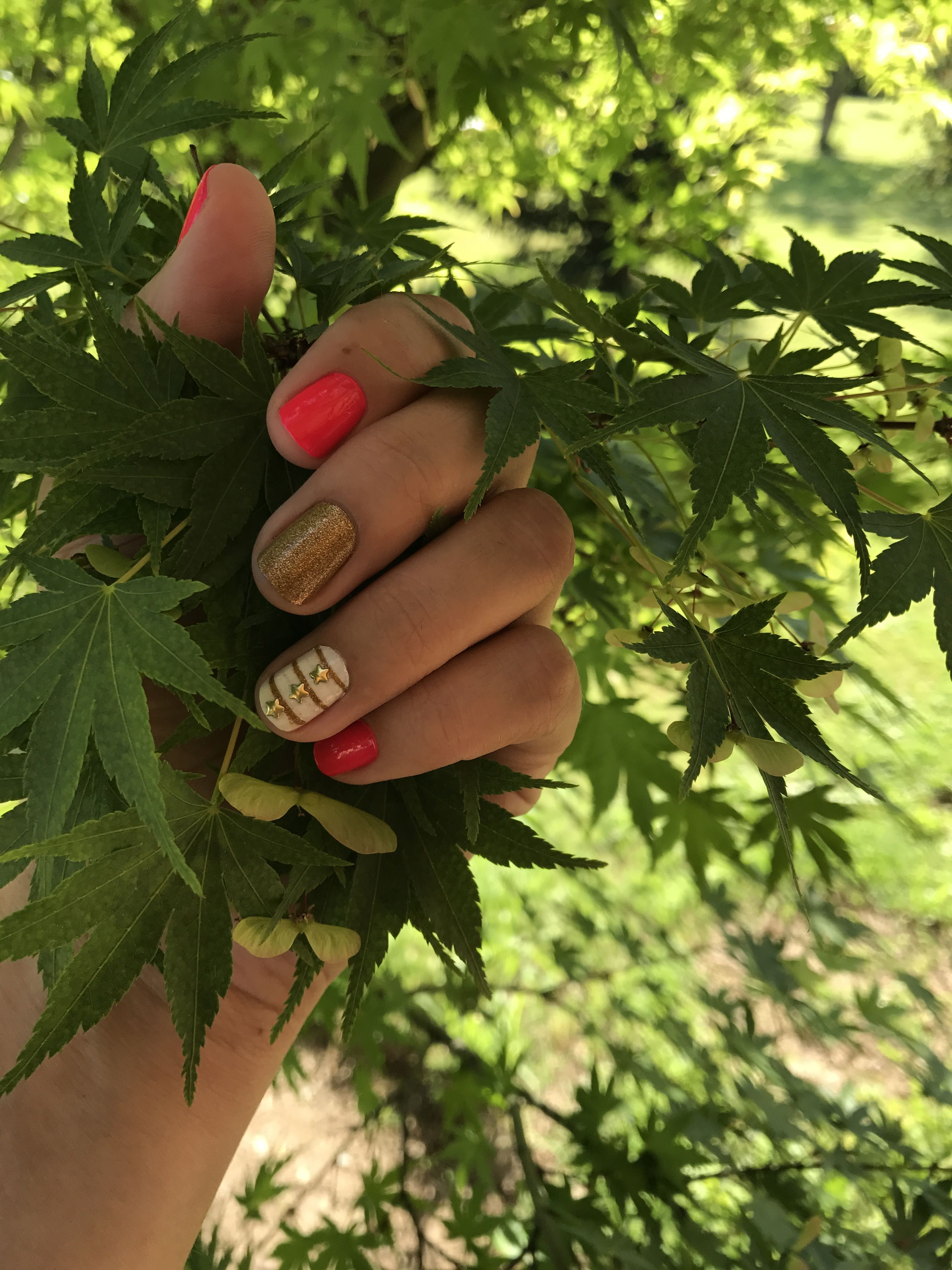 Fuscia y dorado. | Unas | Pinterest | Diseños de uñas y Manicuras