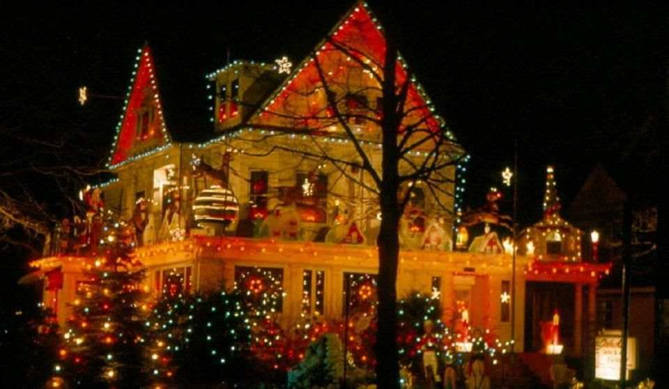 Ridgewood New Jersey Arthur S House Christmas Lights House Of Beauty Ridgewood