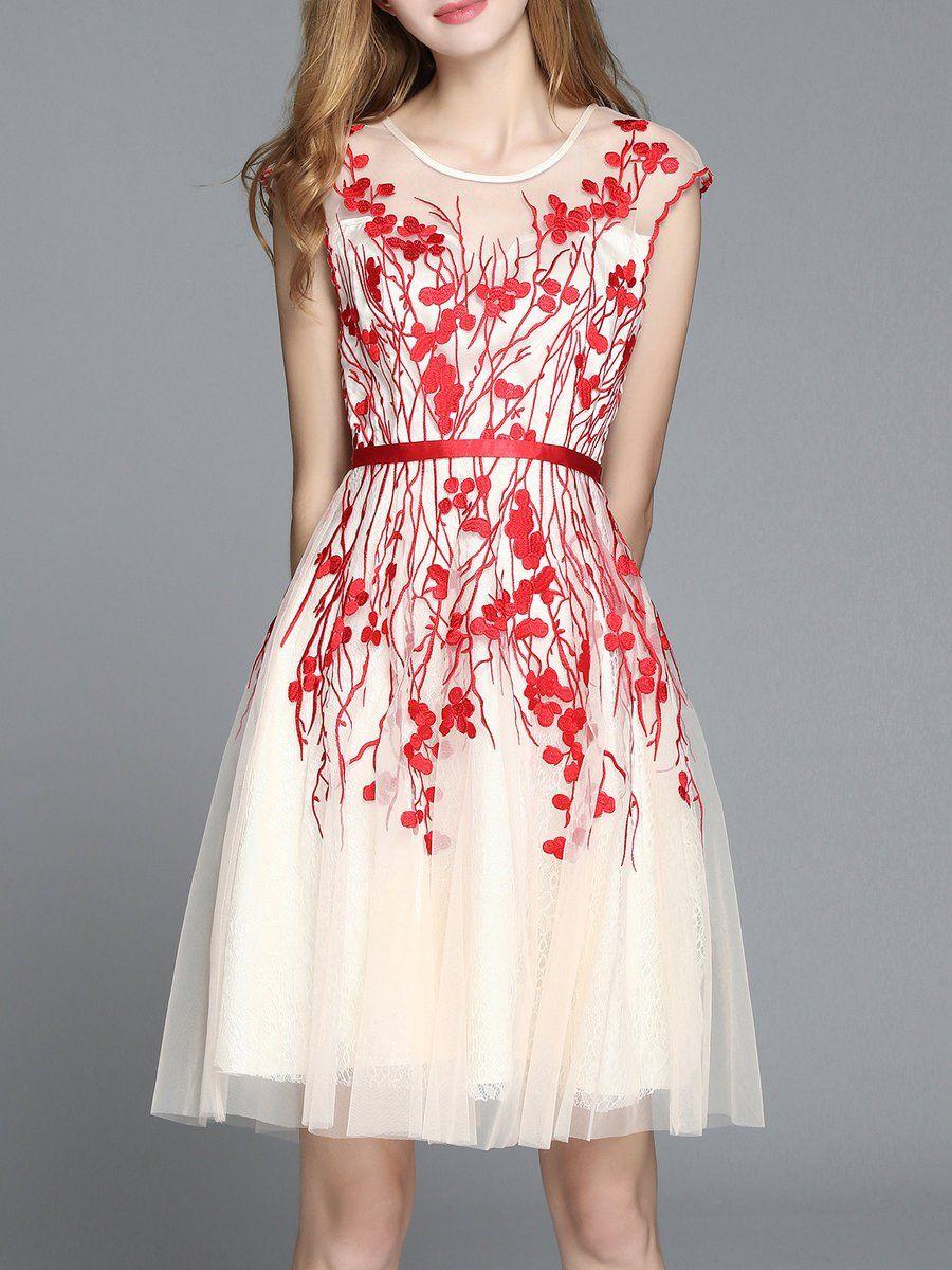 Floralembroidered short sleeve midi dress midi short