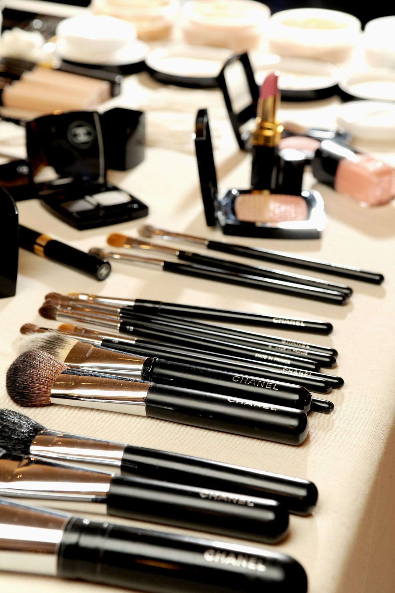 Now THIS is my temple ) Makeup collection, Chanel brushes