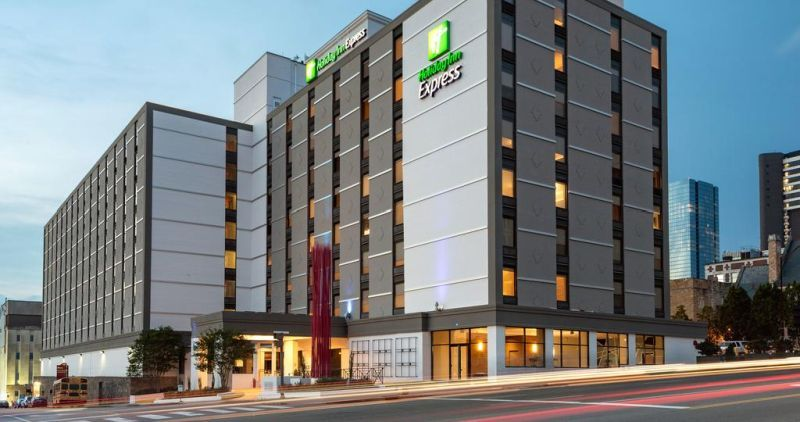Hotels In Nashville Holiday Inn Express Downtown Is Among The Finest Five Star Near Music Row